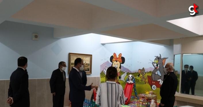 Bolu'da cezaevindeki yakınlarını ziyaret eden çocuklar için oyun alanı hazırlandı