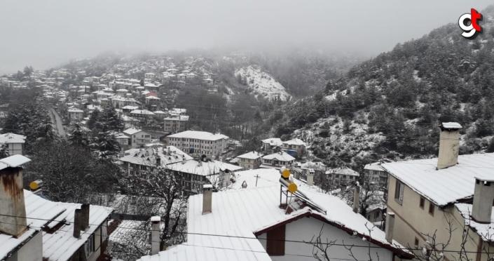 Bolu'da iki mevsim bir arada yaşanıyor