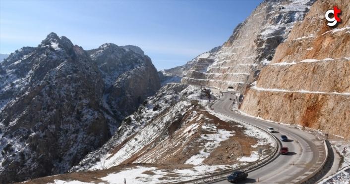 Çorum Kırkdilim Tünelleri'nde T3 tüneli 2021'de tamamlanacak
