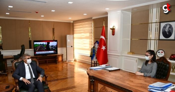 Karabük Valisi Fuat Gürel, makamını öğrencilere bıraktı