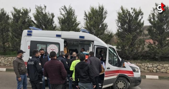 Karabük'te alkollü sürücünün kullandığı otomobil servis aracıyla çarpıştı: 5 yaralı