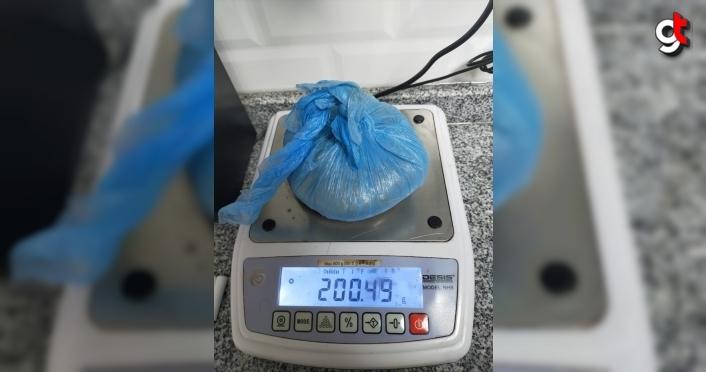 Kastamonu'da düzenlenen uyuşturucu operasyonlarında 1 kişi tutuklandı, 1 kişi gözaltına alındı