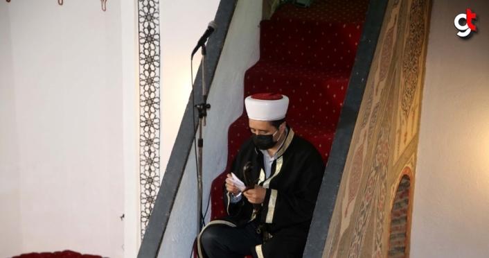 Kastamonu'daki Atabeygazi Camisi'nde kılıçlı hutbe geleneği asırlardır sürüyor