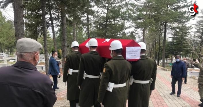Kore gazisi Özenalp'in cenazesi Tokat'ta toprağa verildi