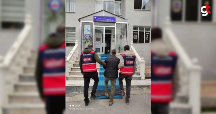 Samsun'da biri firari hükümlü diğeri esrar kaçakçısı iki kişi yakalandı