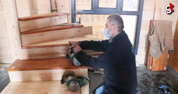 Samsun'da kurulu firma salgın döneminde üretimine başladığı demonte ahşap evlere yönelik talebe yetişmeye çalışıyor