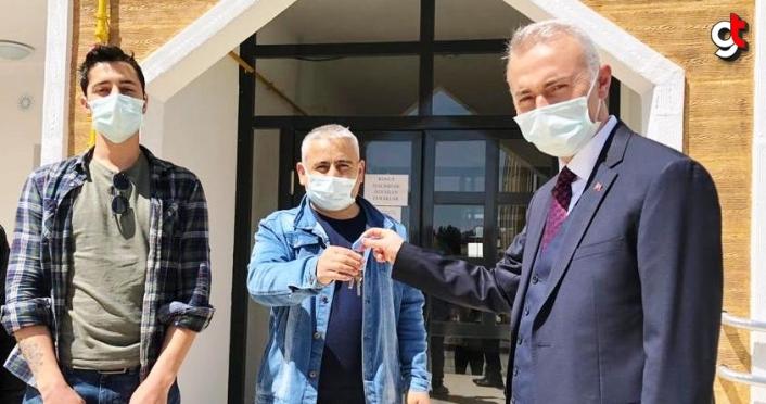 Taşova'da TOKİ konutları hak sahiplerine teslim edildi