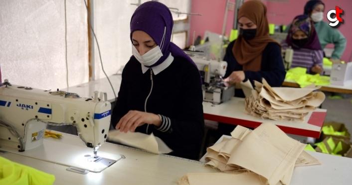 Tokat'ta üretilen hediyelik bez torbalar Avrupa ülkelerinden talep görüyor