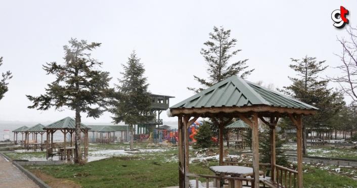 Yeniçağa'da kar yağışı etkili oluyor