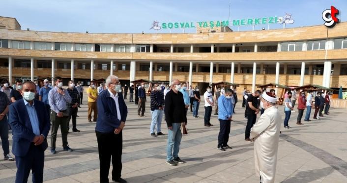 Eski AK Parti Karabük Milletvekili Uysal için memleketinde gıyabi cenaze namazı kılındı