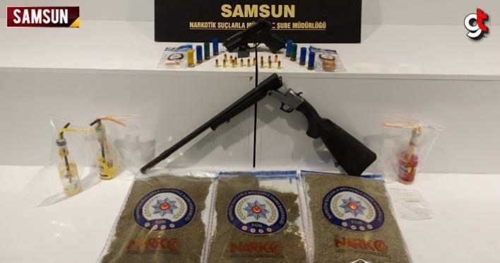 Polisler otomobili takibe aldı, 2 kilo uyuşturucu ile yakalandı