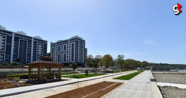 Trabzon'da yeni yapılan Yalıncak plajında çalışmalar devam ediyor