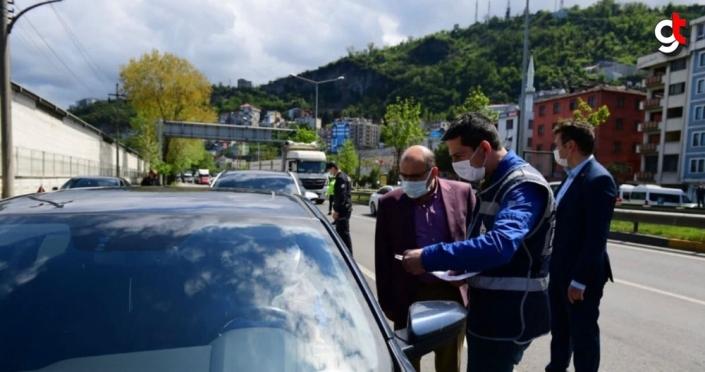 Vali Ustaoğlu, polis noktasında denetimlerde bulundu