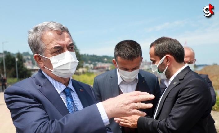 AK Parti Genel Başkan Yardımcısı Yazıcı, Rize'de Millet Bahçesinin yapıldığı alanda incelemelerde bulundu: