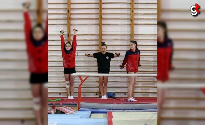 Artistik cimnastikte genç kadınlar ve büyükler milli takım kampları Bolu'da başladı