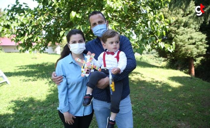 Giresun'da 23 Nisan'da evlerini Türk bayraklarıyla donatan bin çocuğa hediye verildi