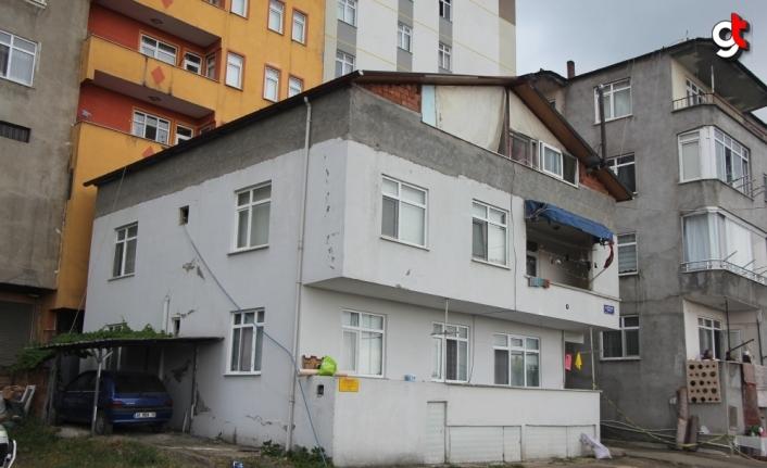Samsun'da çatıdan düşen 2 kişi hayatını kaybetti