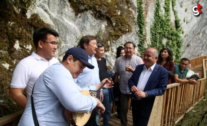 Kazakistan heyeti Horma Kanyonu'na hayran kaldı