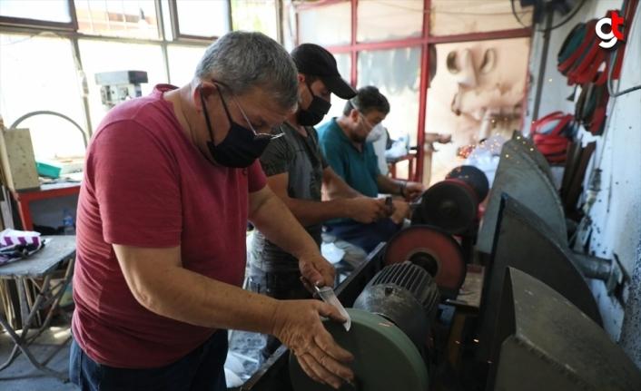 Samsun'daki bıçakçılar Kurban Bayramı öncesi üretimi durdurdu bileme yapıyor