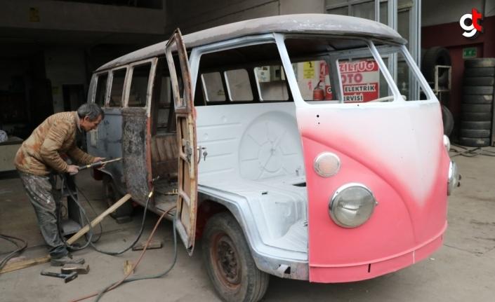 Almanya'dan getirilen hurda minibüs Kadir ustanın elinde yenilendi