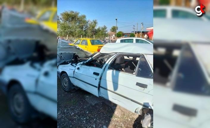 Amasya'da devrilen otomobildeki 1 kişi öldü, 1 kişi yaralandı