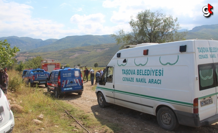 Amasya'da devrilen traktörün altında kalan kadın hayatını kaybetti
