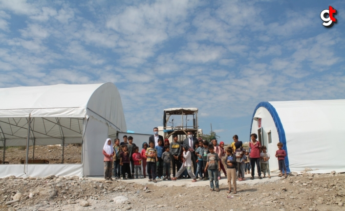 Amasya'da tarım işçilerinin çocukları için çadırkentte Kur'an kursu açıldı