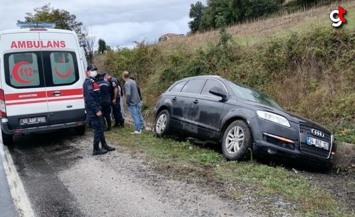 Samsun'da ambulans ile otomobil çarpıştı, 5 kişi yaralı