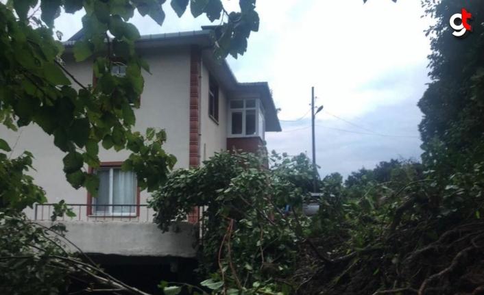 Artvin'de heyelan nedeniyle bir ev tedbiren boşaltıldı