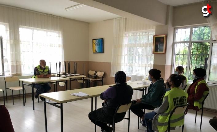 Bafra'da jandarma okul servis sürücüleri ve görevli personele trafik eğitimi verdi
