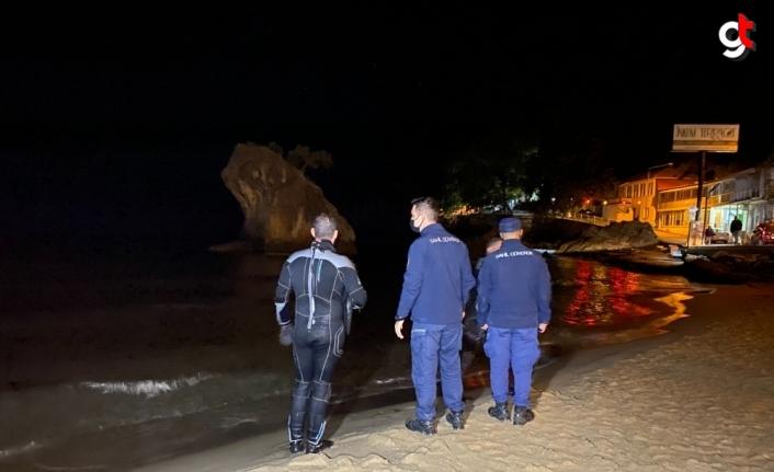 Bartın'da denizde ceset görüldüğü ihbarı ekipleri harekete geçirdi