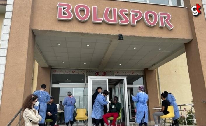 Boluspor'da teknik heyet, futbolcular ve çalışanlara PCR testi yapıldı