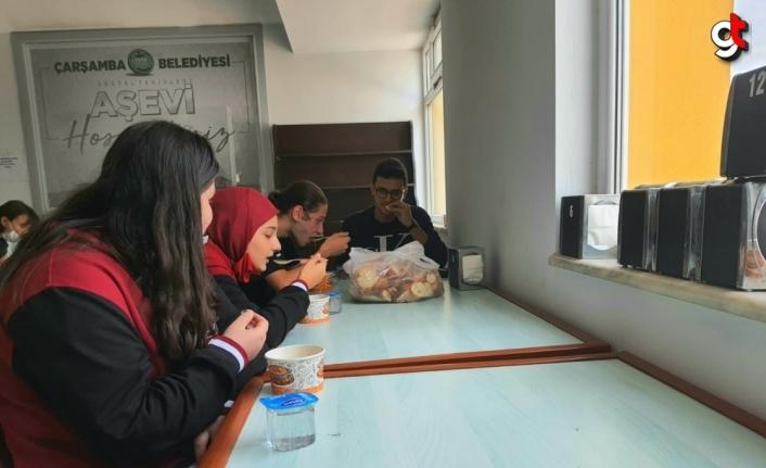 Çarşamba Belediyesi Aşevi öğrencilere de hizmet vermeye başladı