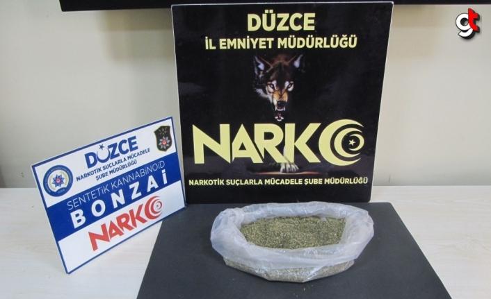 Düzce'de uyuşturucu operasyonunda yakalanan zanlı tutuklandı