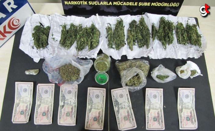 Düzce'de uyuşturucu ve sahte döviz operasyonunda yakalanan şüpheli tutuklandı