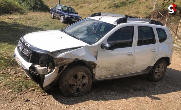 Eflani'de cip ile otomobil çarpıştı