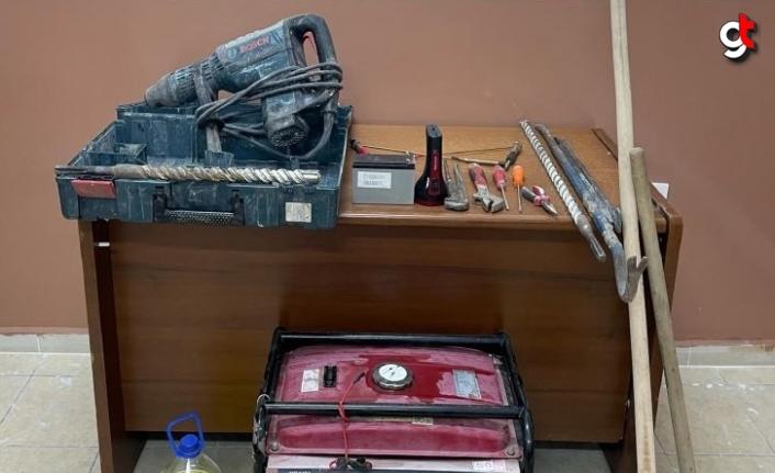 Karabük'te antik kentte izinsiz kazı yapan 6 kişi suçüstü yakalandı