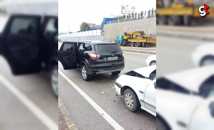Karabük'te cipe çarpan otomobildeki yolcu yaralandı