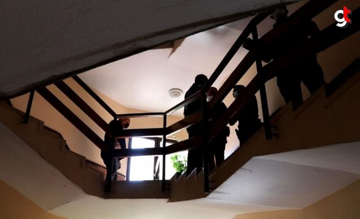Karabük'te yalnız yaşayan bir kişi apartman merdiveninde ölü bulundu