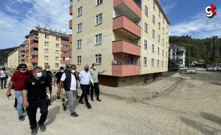 Kastamonu Valisi Çakır Bozkurt'taki sel sonrasında yapılan çalışmaları anlattı: