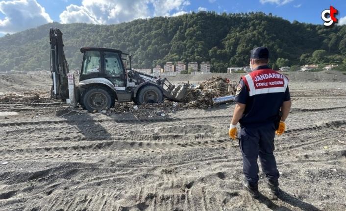 Kastamonu'da sel felaketinin yaraları jandarmanın desteğiyle sarıldı