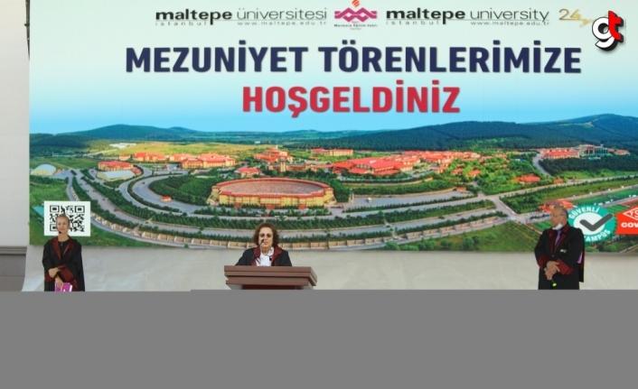 Maltepe Üniversitesi mezunlarını uğurladı