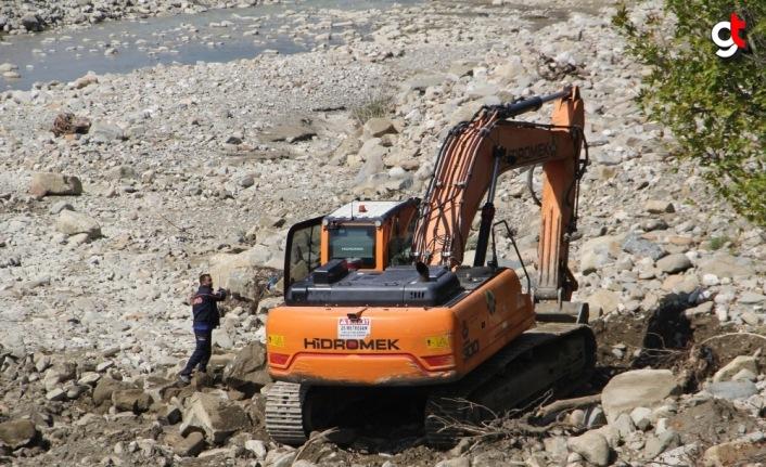 Sinop'ta sel felaketinde kaybolan 6 kişiyi arama çalışmaları sürüyor