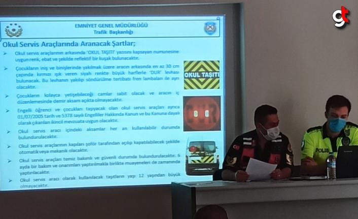 Tokat'ta servis sürücülerine seminer verildi