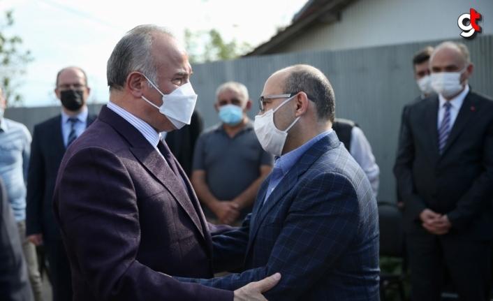 Trabzon Valisi İsmail Ustaoğlu'nun vefat eden babasının cenazesi Düzce'de toprağa verildi