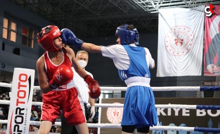 Türkiye Ferdi Boks Şampiyonası Zonguldak'ta başladı