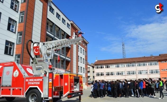 Ereğli'de okulda deprem tatbikatı yapıldı