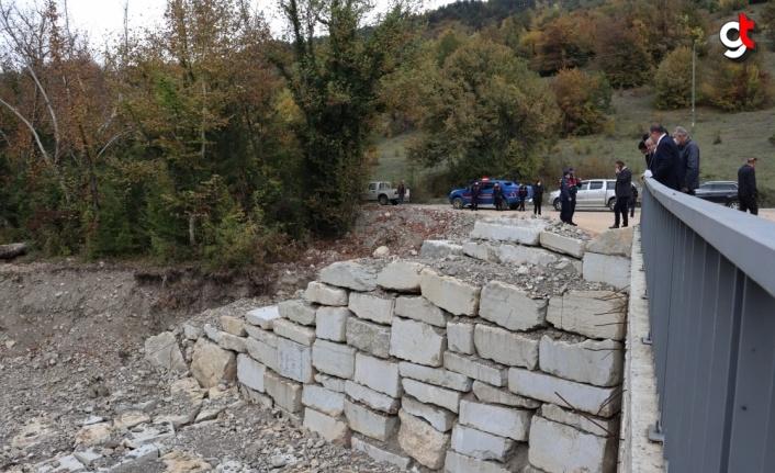 Karabük'te kuvvetli sağanak nedeniyle yıkılan köprü ulaşıma açıldı