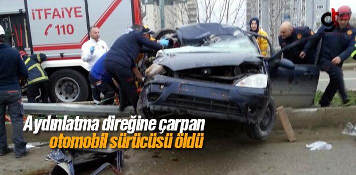 Aydınlatma Direğine Çarpan Araç Sürücüsü Öldü