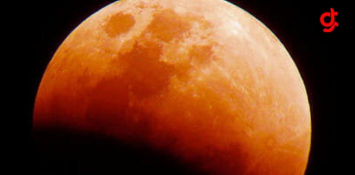 Bu Ay Yüzyılın En Uzun Ay Tutulması Ve Aynı Zamanda Kanlı Aya Şahit Olacaksınız